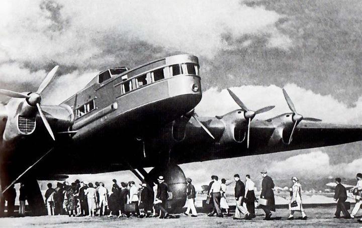 Как разбился советский самолет АНТ-20 «Максим Горький»