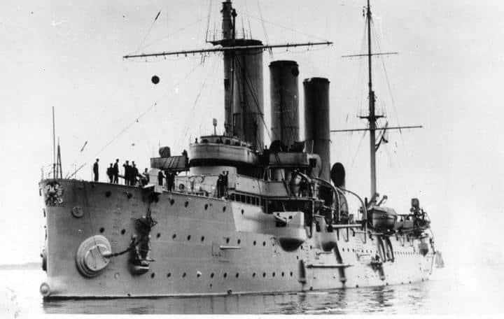 116 лет назад на воду спустили легендарный крейсер Аврора